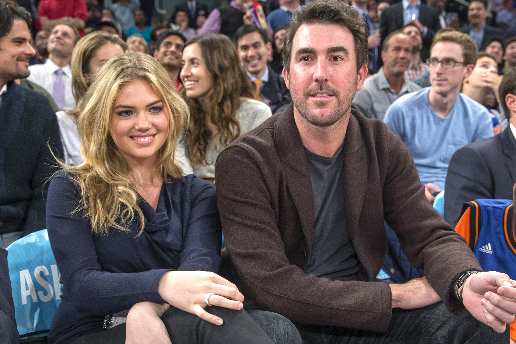 New York, NY- November 12th: New York Knicks vs Orlando Magic at Madison Square Garden: Kate Upton and her boyfriend Justin Verlander pitcher for the Detroit Tigers sit court side as they attend tonights game. Wednesday, November 12th, 2014. (Photo by Anthony Causi)